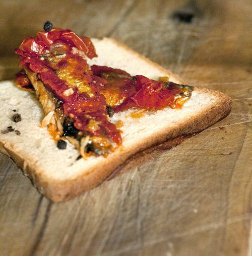 Toast con sardine Angelo Parodi e aggiornamento contest