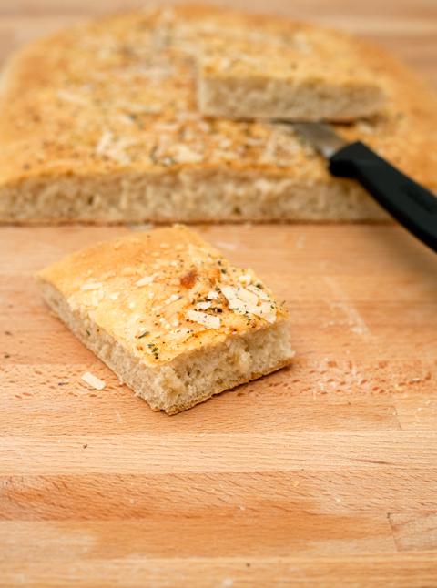 Focaccia aglio e formaggio