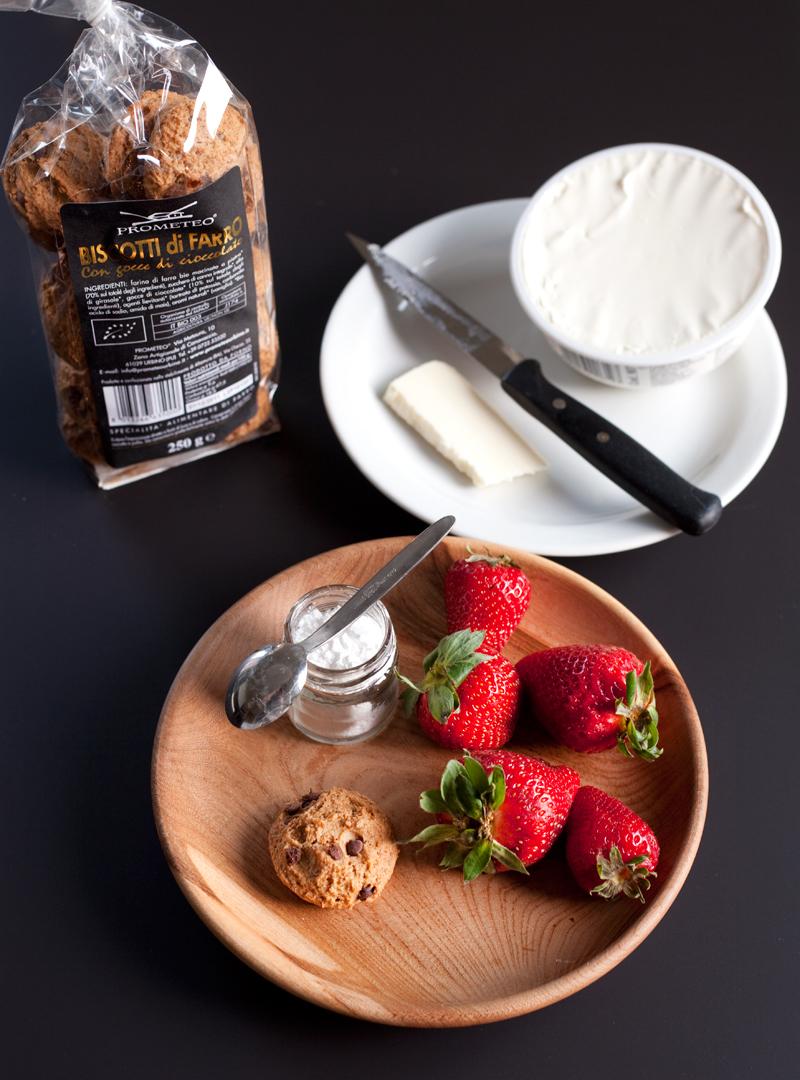 Tartelettes con fragole, mascarpone e biscotti di farro Prometeo Urbino