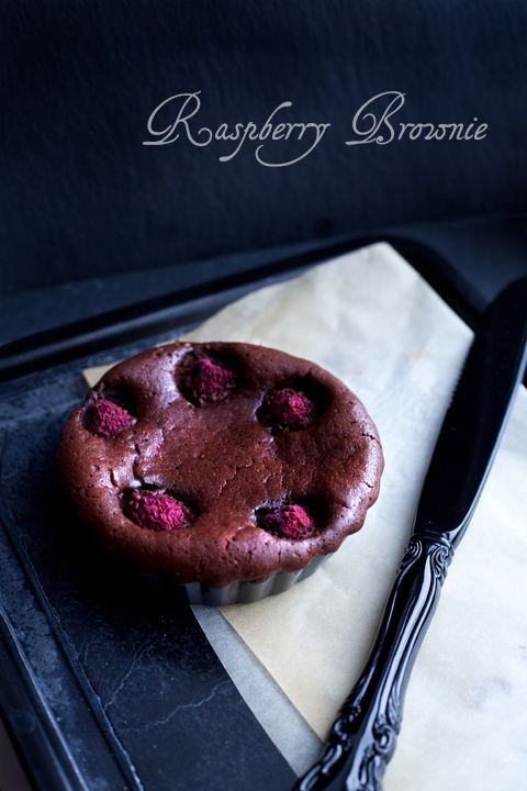 Dark chocolate and raspberry brownie tarts – Brownie cioccolato e lamponi