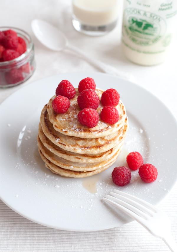 Pancake al farro con lamponi