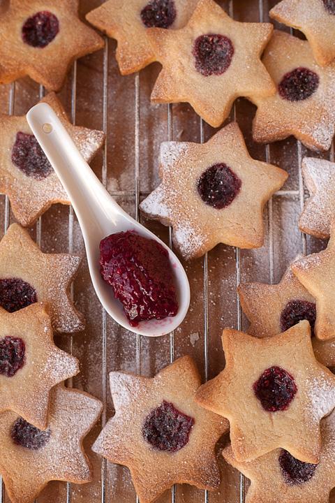 Jam stars – Stelline con la marmellata di lamponi