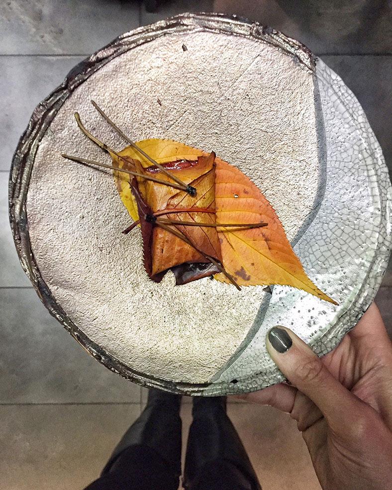 salmon_leaf_sushi